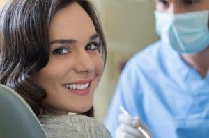 how to fix a chipped tooth
